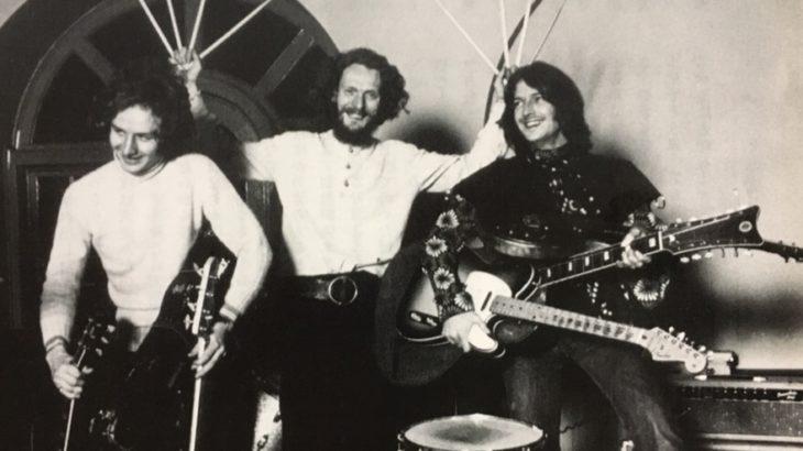 ブルースの名曲をカバー「ストーミイ・マンデイ」、エリック・クラプトンの圧巻のソロに応えるオーディエンス