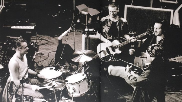 【 U2 】がマーヴィン・ゲイのメッセージ・ソング 「What's Going On」をカヴァー 戦争の無い地球がやがてやってくると信じたい