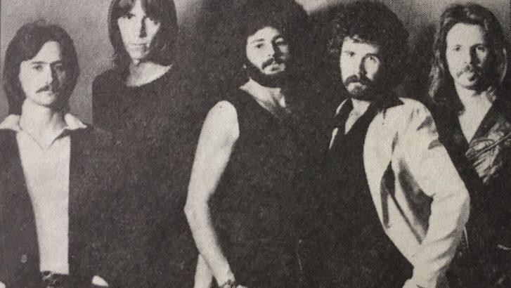 【ボストン】の1st.アルバムに収録されている「ロックン・ロール・バンド」、らしさが感じられ一押しです