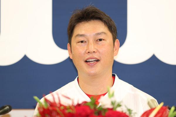 仲間からいじられまくる愛されキャラの【新井貴浩】が引退を決断!ガムシャラに野球に取り組んだ男。