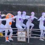 箱根駅伝の隠れ名物・復路7区二宮押切坂に出没するフリーザ様。