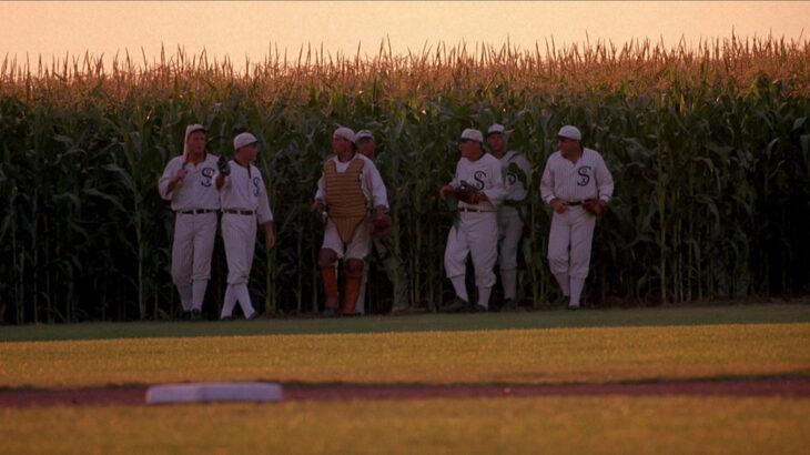 映画フィールド・オブ・ドリームスの球場で開催されたMLB公式戦が感動的