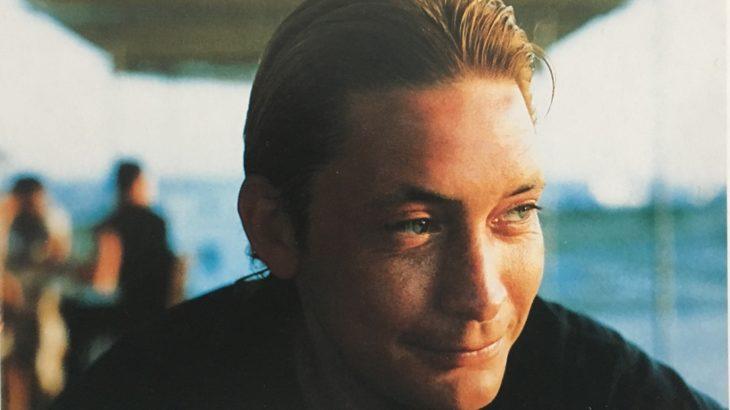 【クリス・レア】 1986年の「オン・ザ・ビーチ」、ギターとキーボードのアンサンブルが心地よい「じっくり聴きたい」ナンバーです
