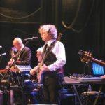 【キング・クリムゾン】 ダブル・カルテットのバンドの魂が複数の楽器の領域を跨いでいるような「インディシプリン」