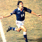 W杯初出場を決めた伝説のゴール!日本史上最速のサッカー選手【野人・岡野雅行】