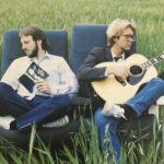 アルバムのジャケットは  ダンが抜けてジェリーとデューイの二人 抱えてるギターが「ヤマハ」  それが'80年代の始まり・・