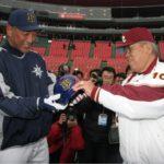 強打者・清原和博さんの頭部を23年間守りきった元・野村克也氏のヘルメット。
