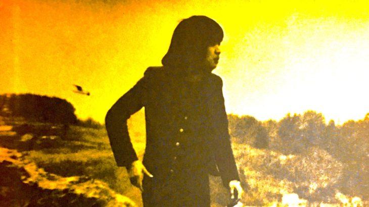 吉田拓郎さん「春だったね」  舗装が十分じゃない埃っぽい街で、茶色と灰色が混ざったようなアルバムを手にしてた