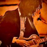 ブロー・バイ・ブローが売れても 「スポットライトよりずっとギターを弾いていたい」 という感覚がヤン・ハマーとの出会いに繋がったのだと思う